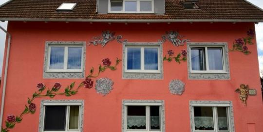 Graffiti / Airbrush Gestaltung einer Hausfassade in Oesterreich
